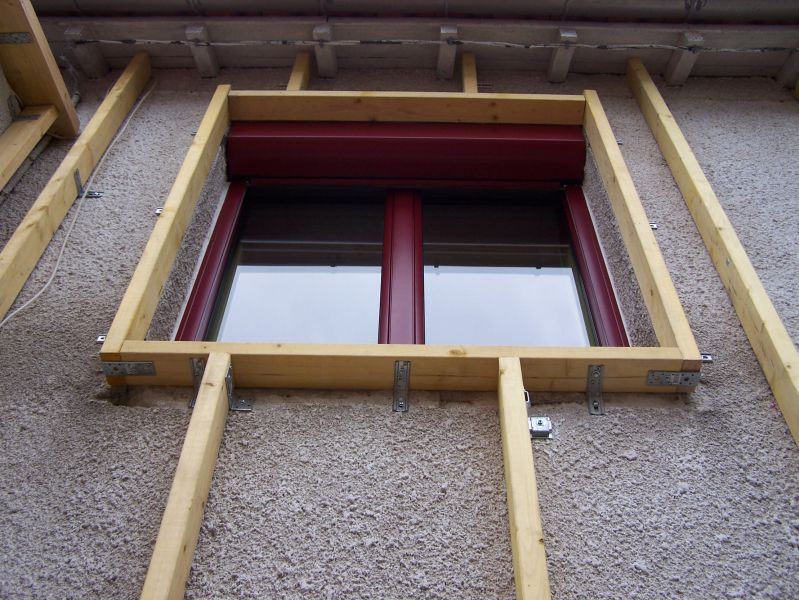 2 fixation de l ossature renovation ecologique for Pose appui de fenetre prefabrique